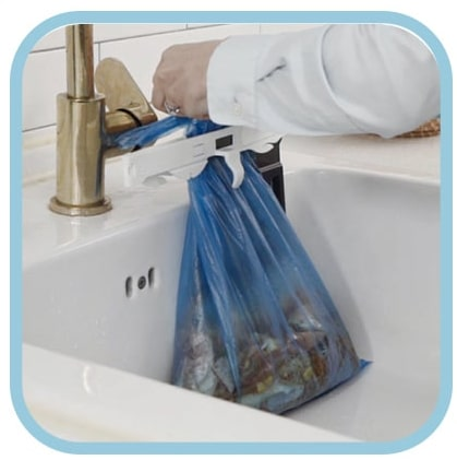 Without having any spillage on your hands simply throw it away in a sealed state without worrying about the smell!