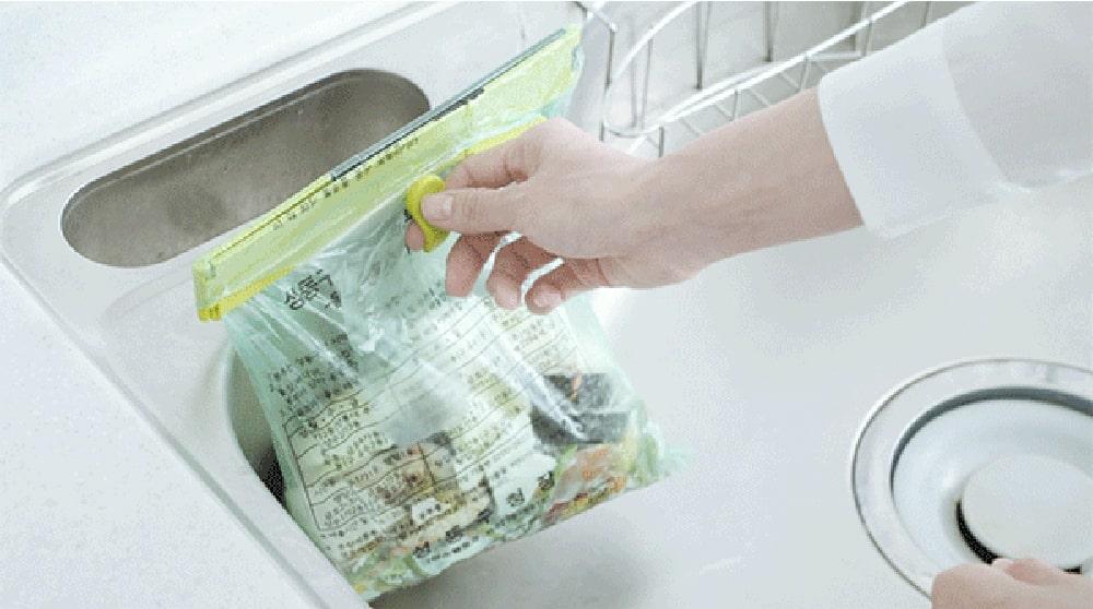 別途の保存容器やツールを使わずにゴミ袋だけで処理できないだろうか?
